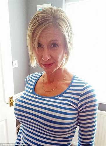 Cô cho rằng: 'Việc hút thuốc lá nhiều năm sau đó bỏ thuốc đã phá hủy bộ ngực tôi nhưng nó lại giúp tôi lấy lại được sức khỏe'. Vì thế, cô quyết định đến bệnh viện phẫu thuật thẩm mỹ Transform để nâng vòng 1.