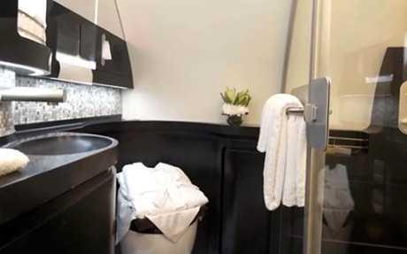 Phòng tắm đầy đủ và rộng rãi