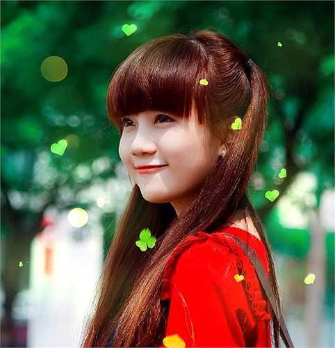 Xuất hiện với nick name Cherry Nguyễn, Anh Đào được biết đến khi một số clip các bản cover nhạc trữ tình cực hay của cô được mọi người truyền tay nhau.