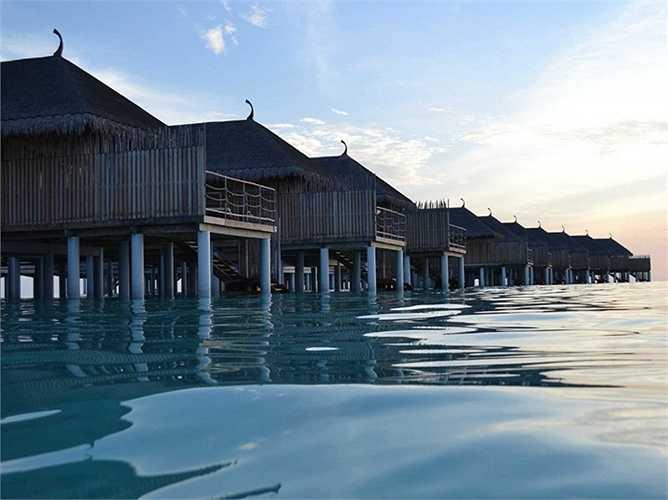 Khách sạn Constance Moofushi thuộc quần đảo Moofushi, Maldives. Giá phòng từ 1,025 USD/đêm