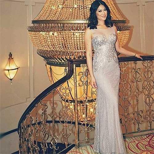 Dù sinh ra ở Mỹ nhưng chưa bao giờ cô quên gốc gác Việt. Cô thường ghé thăm Việt Nam một vài tuần trong năm