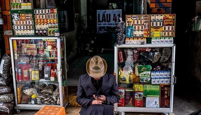 Bức ảnh từ CNN cho thấy cảnh bày bán các sản phẩm từ tê tê công khai tại một cửa hàng tại Hà Nội