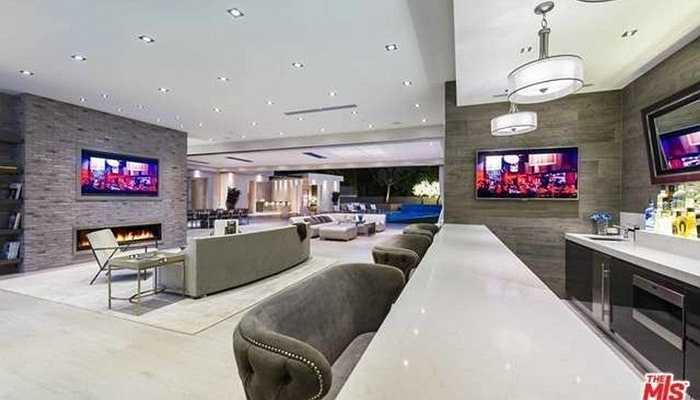 Quán Bar hiện đại trong nhà