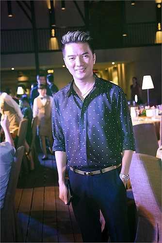 Xuất hiện trong sự kiện, nhà sản xuất, diễn viên Đàm Vĩnh Hưng thu hút sự chú ý bởi phong cách thời trang sành điệu, đẳng cấp.