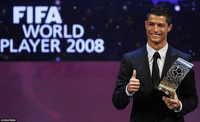 Ronaldo đoạt danh hiệu xuất sắc nhất thế giới năm 2008