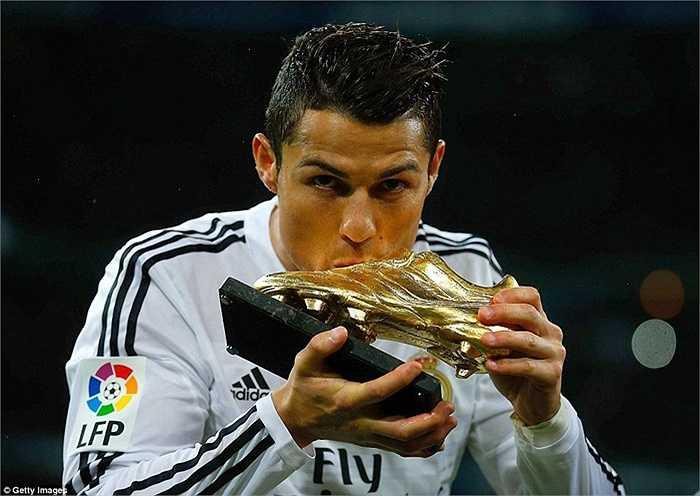 Ronaldo giành danh hiệu Chiếc giày vàng