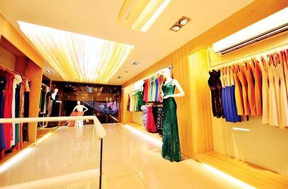 Mỹ Tâm sở hữu tòa nhà trăm tỷ, kinh doanh thương hiệu thời trang do cô tự thiết kế có tên Nightingale