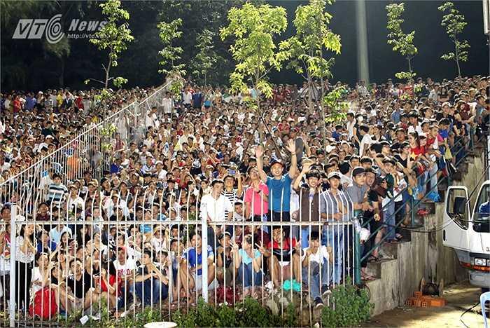 Tuy nhiên, để lặp lại cảnh tưởng xem Công Phượng như thế này ở sân Cần Thơ vào chiều 7/2 tới đây là rất khó. (Ảnh: Quang Minh)