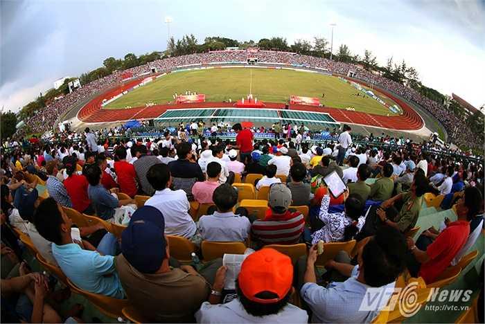 Trong khi đó, tân binh XSKT Cần Thơ cũng gặp rất nhiều khó khăn trong lần đầu lên chơi ở giải đấu cao nhất làng bóng đá quốc nội. (Ảnh: Quang Minh)
