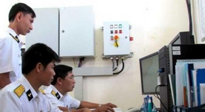Theo chia sẻ của Trung tá Nguyễn Hữu Ngọc, Phó Trung đoàn trưởng Trung đoàn radar 451, Vùng 4 Hải quân: 'Chúng tôi đã vận hành sử dụng có hiệu quả các thiết bị kỹ thuật rất hiện đại, đáp ứng yêu cầu nhiệm vụ theo phương châm 'Nhanh, xa, đúng, đủ, bí mật, an toàn', xứng danh là 'mắt thần Trường Sa'. (Theo ĐVO)