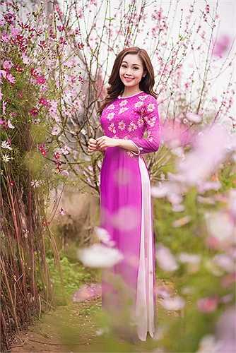 2015 cũng là năm thứ 4 Thuỳ Linh tiếp tục vai trò MC của mình trong chương trình Bài hát yêu thích bên cạnh MC Danh Tùng
