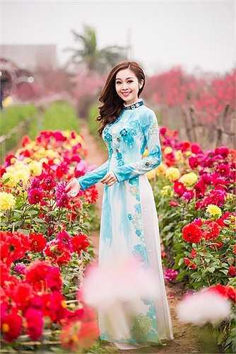 Với lối dẫn dắt duyên dáng, nhẹ nhàng, Thuỳ Linh hiện đang là một trong những MC nữ được yêu thích hàng đầu tại miền Bắc