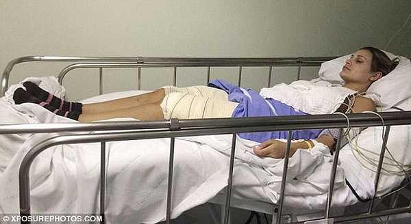 Đầu tháng 12/2014, Andressa Urach đã phải nhập viện trong tình trạng nguy kịch. Á hậu của cuộc thi Miss BumBum 2012 bị nhiễm trùng do chích một loại thuốc làm tăng trọng lượng vùng đùi.