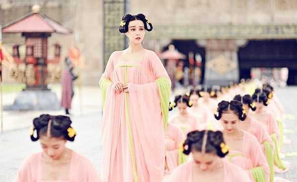 Dù đã 33 tuổi nhưng Phạm Băng Băng vẫn đầy thuyết phục với hình ảnh Võ Như Ý 14 tuổi thuở mới vào cung.