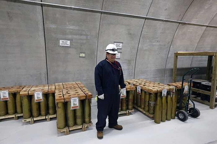 Căn hầm ở Colorado, Mỹ chứa đầy các vũ khí được cất giấu từ Thế chiến II
