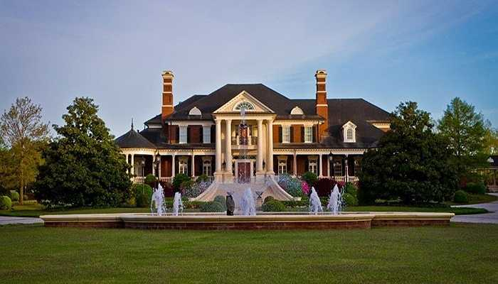 Nó cũng nằm trong danh sách 25 ngôi biệt thự rộng lớn nhất nước Mỹ với phần diện tích sử dụng vô cùng rộng rãi