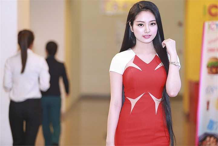 Sau khi đăng quang Hoa hậu Dân tộc 2013, Ngọc Anh ít tham gia vào showbiz mà chủ yếu hoạt động các chương trình vì cộng đồng.