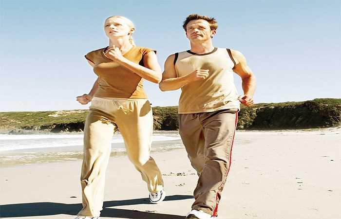 Hãy thường xuyên đi bộ: Bằng cách đi bộ khoảng chừng ba mươi phút mỗi ngày bạn có thể giảm1400 calo mỗi tuần (thực tế phụ thuộc vào trọng lượng, mức độ thể lực và tốc độ của bạn). Không chỉ vậy, sau khi đi bộ nhanh bạn có thể tạo ra endorphins làm cho bạn cảm thấy thư giản hơn và sức khỏe được cải thiện hơn…