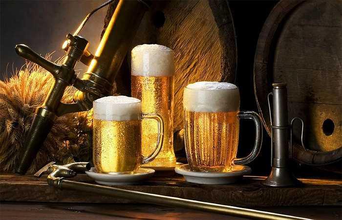 Nói 'không' với đồ uống có cồn: Các loại đồ uống có cồn gây nhiều bệnh nguy hiểm cho cơ thể như viêm gan, xơ gan, chức năng gan giảm làm tăng tích tụ các độc tố trong cơ thể gây nên nhiều bệnh nguy hiểm khác.