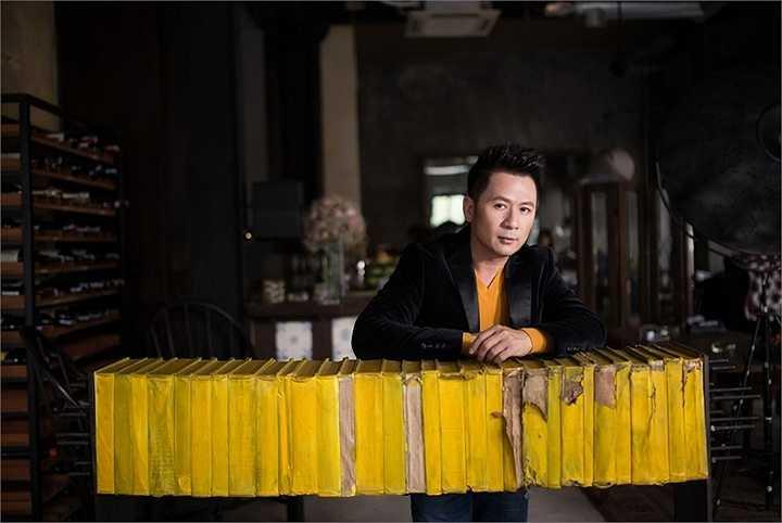 Mỗi lần trở về làm show tại Hà Nội anh đều thành công rực rỡ, khán giả bao nhiêu năm qua vẫn yêu thích Bằng Kiều, dành cho anh tình cảm đặc biệt mỗi khi anh trở về.