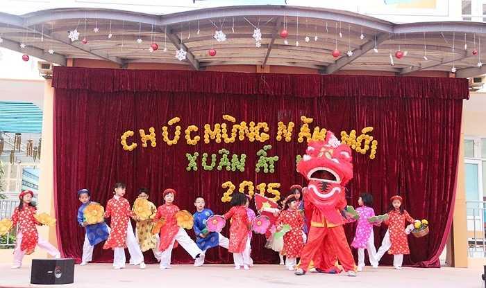 Trường Tiểu học Công nghệ giáo dục Hà Nội - vừa tổ chức chương trình 'Xuân lan tỏa yêu thương' cho học sinh toàn trường
