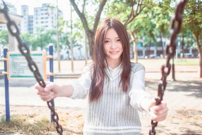 Những hình ảnh khoe chân dài hút mắt của Trương Thái Ninh nhận được vô số lời khen 'có cánh' từ cộng đồng mạng như 'tuyệt mỹ', 'đẹp đến choáng ngợp'.
