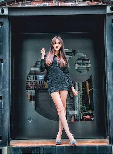 Quần short và váy ngắn là trang phục không thể thiếu trong tủ đồ của Trương Thái Ninh.