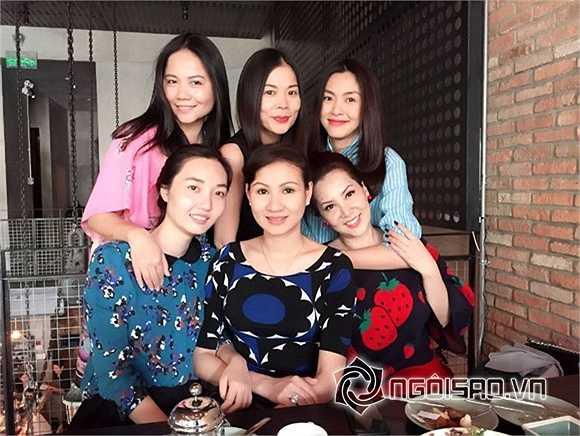 Hiện Hà Tăng đang mang bầu ở khoảng tháng thứ 6 và cô rất hiếm khi xuất hiện trước công chúng.