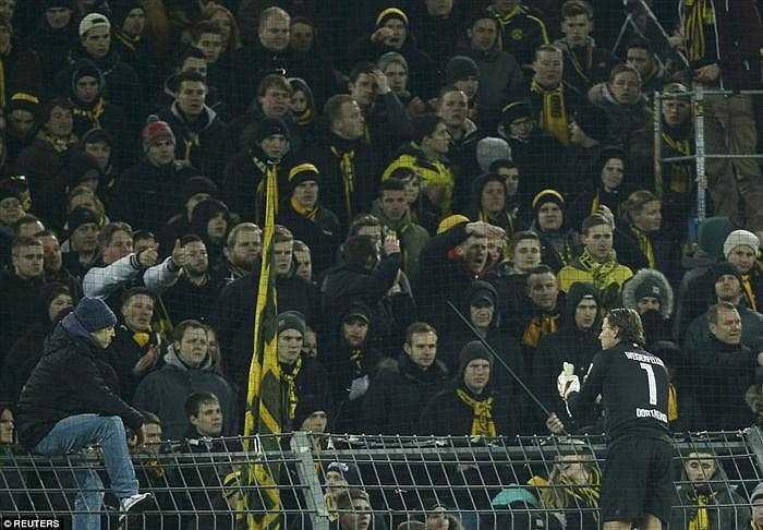 Nhà vô địch Bundesliga 2011 và 2012 đang đối mặt với nguy cơ rớt hạng ở mùa giải này.