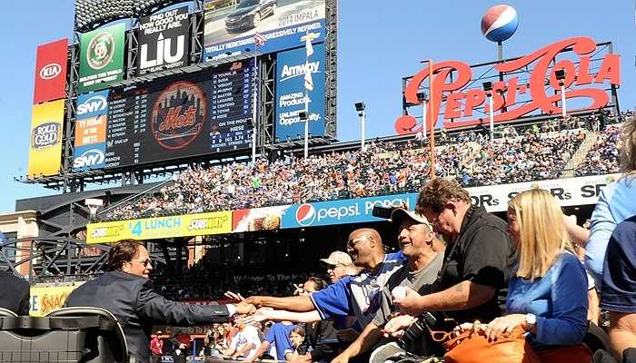Steve Cohen mua lại 4% cổ phần của đội bóng rổ New York Mets với giá 20 triệu USD.
