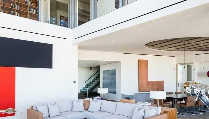 Bên cạnh đó, Steve Cohen còn có trong tay căn penthouse tại New York với giá 115 triệu USD