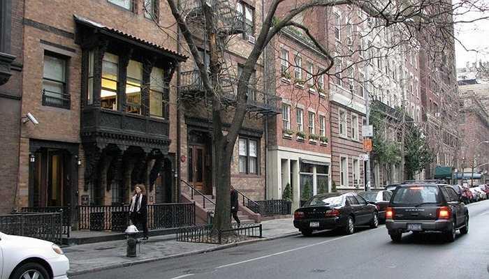 Và 2 căn hộ lớn ở West Village với giá lần lượt là 23,4 triệu USD và 38,8 triệu USD.