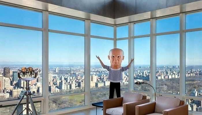 Steve Cohen rất yêu thích nghệ thuật. Ông chi ra 1 tỷ USD để có được bức tượng trên với thiết kế của Maurizio Cattelan và đặt nó tại chính giữa căn phòng khách nhà mình