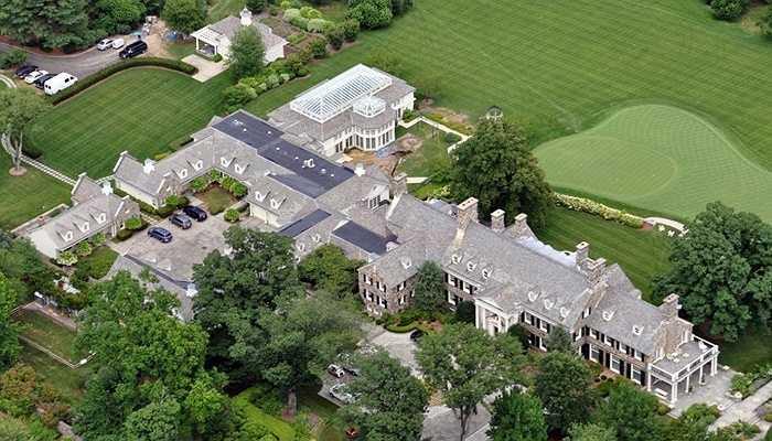Căn biệt thự trị giá gần 15 triệu USD của Steve Cohen. Sau khi mua, ông đã nâng diện tích của nó lên thành hơn 3.200m2