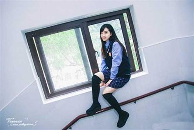Cô có khuôn mặt thanh tú cùng dáng dấp thanh mảnh đang khiến cộng đồng mạng Trung Quốc yêu thích.