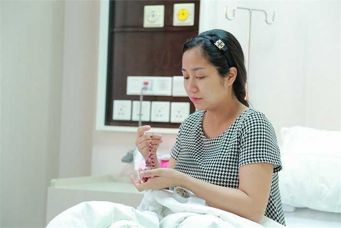 Thanh Vân và gia đình quyết định sinh con bằng phương pháp đẻ mổ.