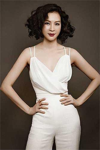 Không chỉ sở hữu gương mặt đẹp hút hồn, Thanh Mai còn giữ được thân hình thon gọn với số đo ba vòng hoàn hảo.