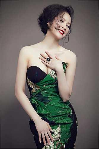 Thanh Mai là một trong những diễn viên nổi tiếng nhất của thập niên 90 với những vai diễn để đời như: Cô thủ môn tội nghiệp, Em không dối lừa..