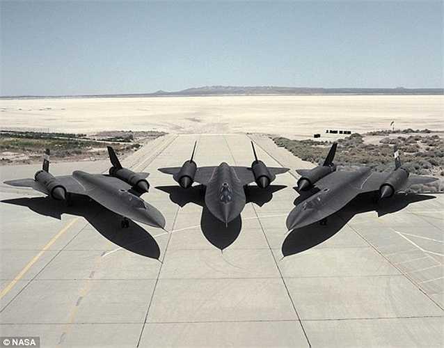 Từ năm 1976 đến nay, SR-71 vẫn đứng đầu trong bảng xếp hạng các máy bay có người lái tốc độ cao nhất