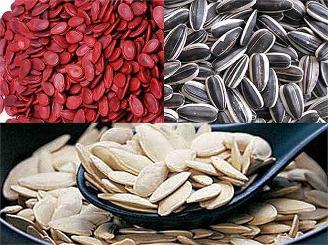 Hạt dưa, hạt hướng dương, hạt bí: Đây là loại hạt có nhiều tinh dầu nên dễ gây nấm, mốc làm xuất hiện các chất gây ung thư như: Aflatoxin, ozchatoxin... Do đó không được dùng những hạt đã bị mốc, thối và người tiêu dùng cần lựa chọn sản phẩm có nguồn gốc rõ ràng.