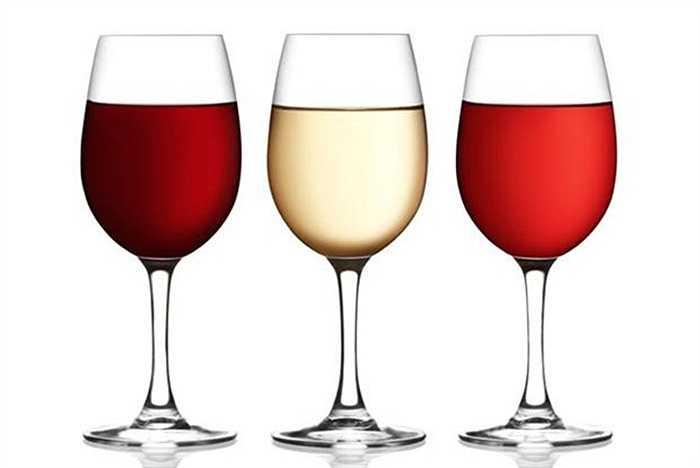 Rượu: Ngộ độc rượu ngày TếtTết chính là thời điểm người dân uống nhiều rượu nhất là các loại rượu không có nguồn gốc rõ ràng. Khi vô tình uống phải rượu pha bằng cồn công nghiệp, uống vào có thể gây chết người.