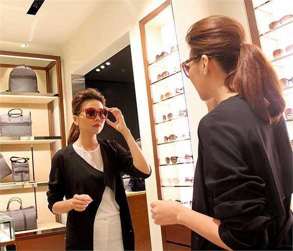 Cô sẽ sang Mỹ để tham dự chương trình NewYork Fashion Week với tư cách khách mời.