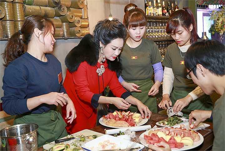 Rất ít người biết diva Thanh Lam là một nghệ sĩ có tài nội trợ nổi tiếng ở showbiz Việt.