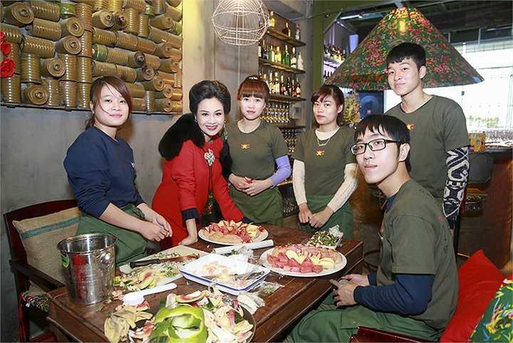 Đăng Quang, con trai chị từng chia sẻ về mẹ: 'Mẹ Lam nấu ăn thì nhất rồi'