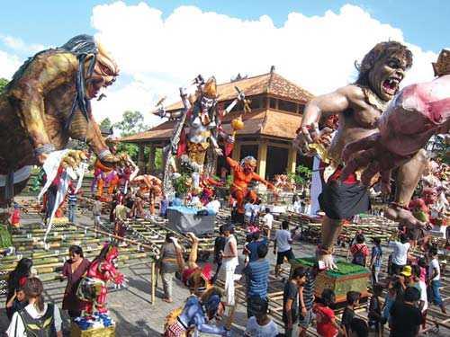 Lễ hội năm mới độc đáo ở Indonesia