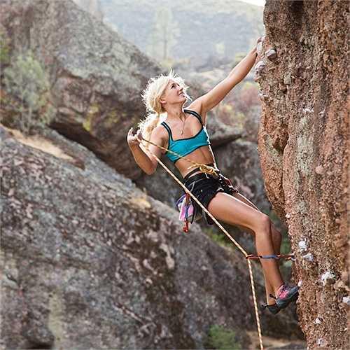 Sierra Blair-Coyle hiện theo học trường đại học Arizona và ấp ủ những kế hoạch làm người mẫu.