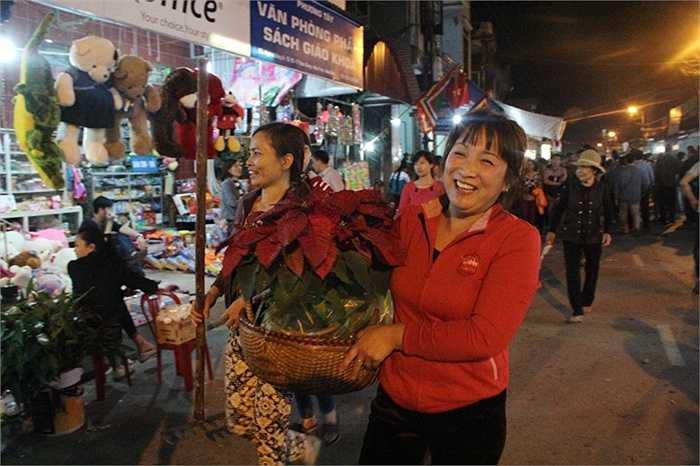 Chợ Viềng Nam Trực: Chen Chân 'bán Rủi Mua May' ở Chợ Viềng Lúc Nửa đêm