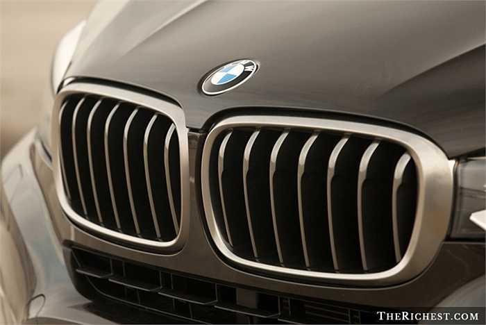 Với chất lượng tuyệt hảo và mẫu mã sang trọng, quý phái cùng với nhãn hiệu danh tiếng mang tính đẳng cấp, BMW luôn là sự lựa chọn hấp dẫn và tìm kiếm của rất nhiều khách hàng trên khắp thế giới.