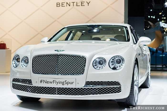 Đây được coi là một 'kiệt tác' mới của dòng siêu xe Bentley. Với những tính năng mới hiện đại được trang bị, siêu xe Bentley Flying Spur V8 hiện đang gây sốt trên thị trường xe hạng sang thế giới.
