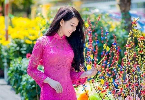 Cô bạn Huỳnh Khánh Vy, sinh năm 1994, đang sinh sống tại Nha Trang, Khánh Hoà. Với ước mơ trở thành một nữ doanh nhân giỏi, cô nàng đã bỏ học để theo đuổi niềm đam mê kinh doanh.